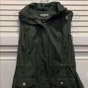 NWT Cargo vest